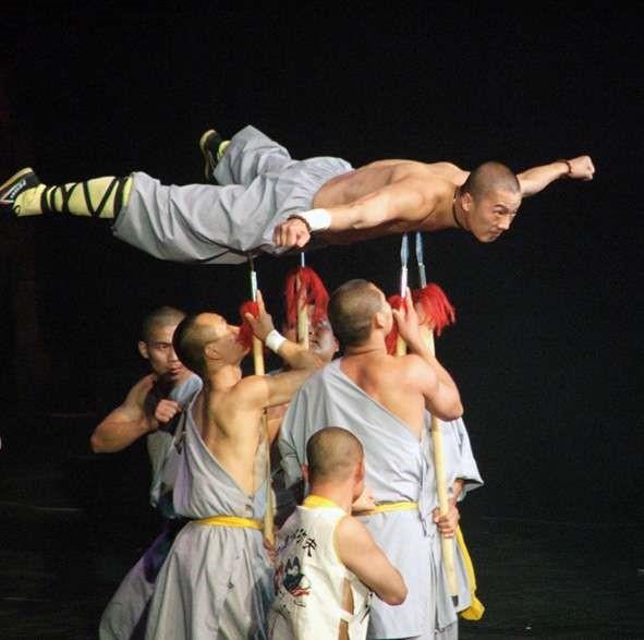 Shaolin Kung Fu Training Methods of the Shaolin Monks Iron shirt Tie Bu Shan Gong